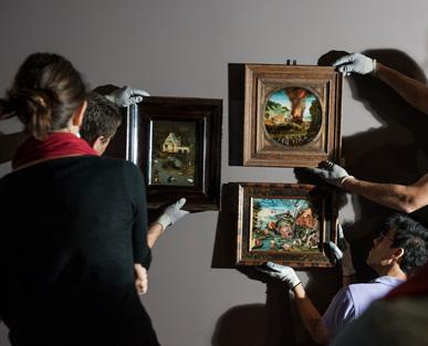 Accrochage de l'exposition La Renaissance et le rêve